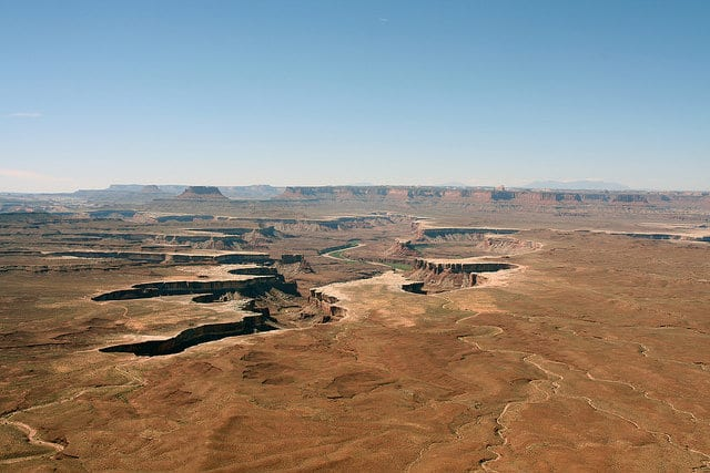 VS: Canyonlands National Park